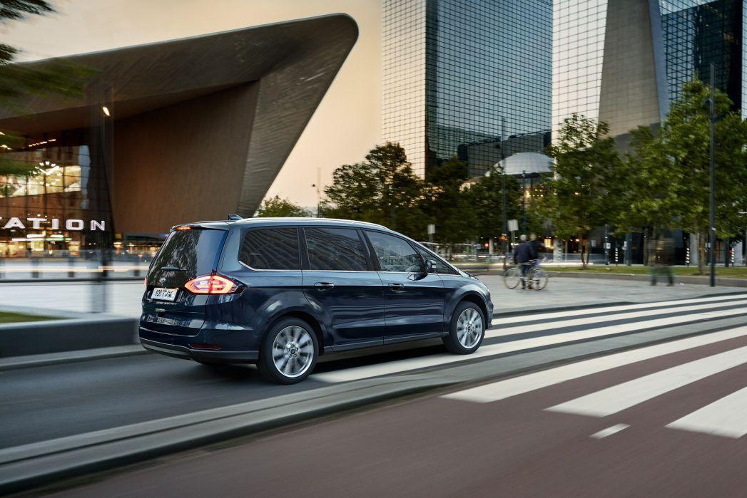 Image 5: Ford Galaxy Diesel Estate 2.0 Ecoblue 190 Titanium 5dr Auto AWD