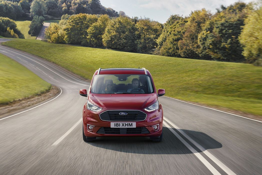 Video Review: Ford Grand Tourneo Connect Diesel Estate 1.5 Ecoblue Zetec 5dr Powershift