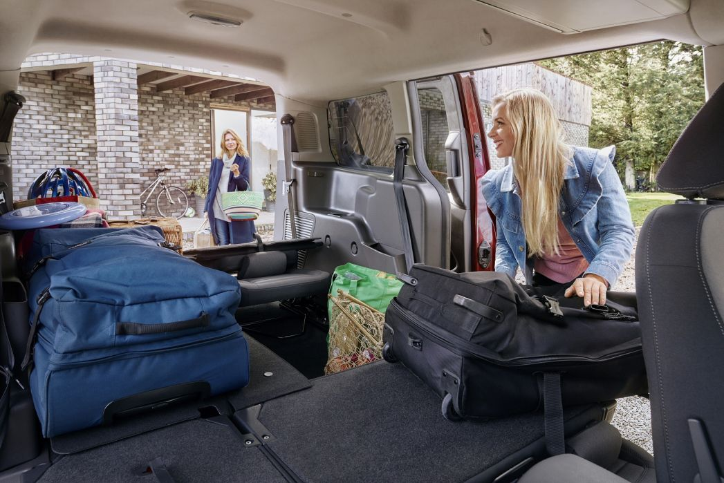 Image 6: Ford Grand Tourneo Connect Diesel Estate 1.5 Ecoblue Zetec 5dr Powershift