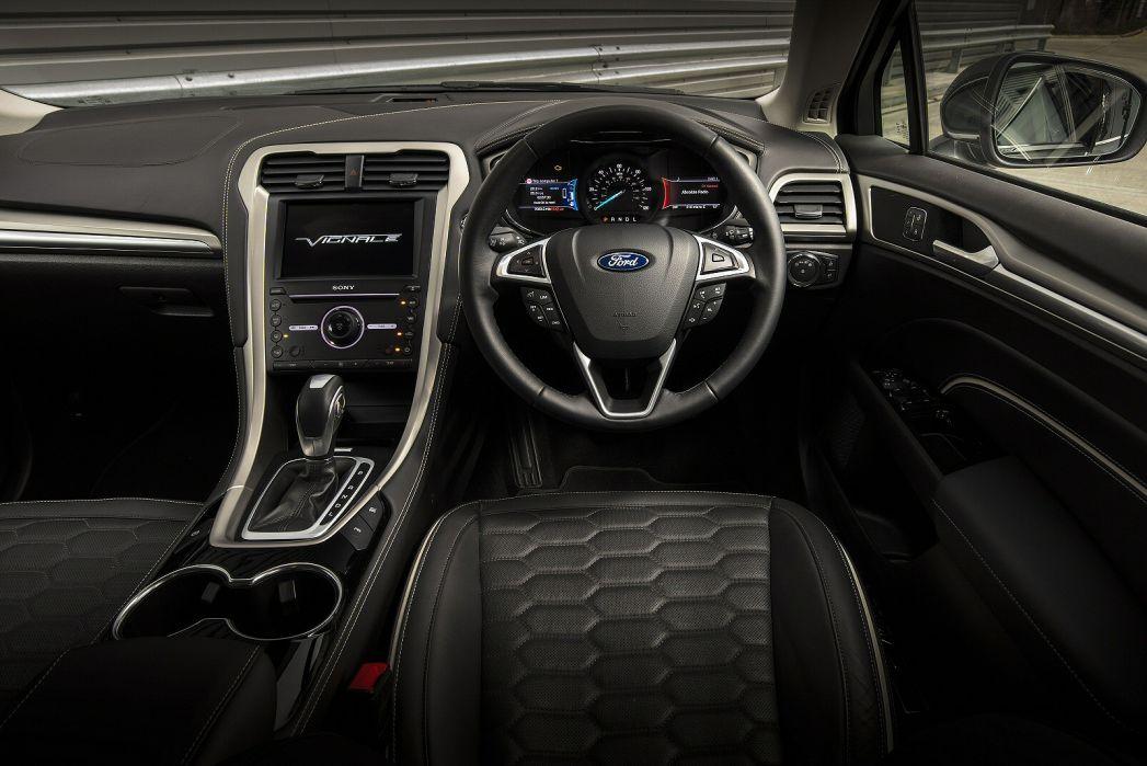 Image 3: Ford Mondeo Vignale Diesel Hatchback 2.0 Ecoblue 190 5dr Powershift