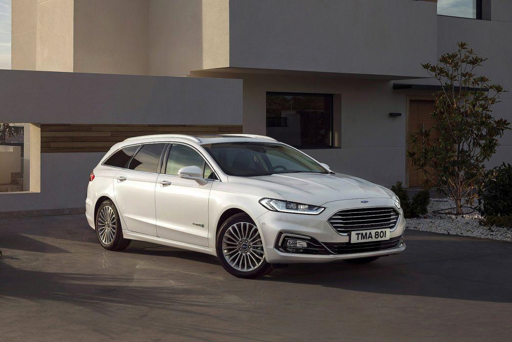 Image 3: Ford Mondeo Vignale Estate 2.0 Hybrid 5dr Auto
