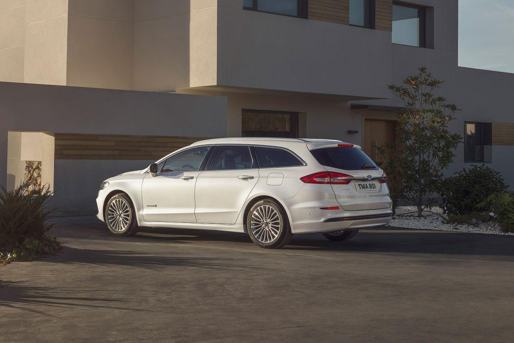 Image 4: Ford Mondeo Vignale Estate 2.0 Hybrid 5dr Auto