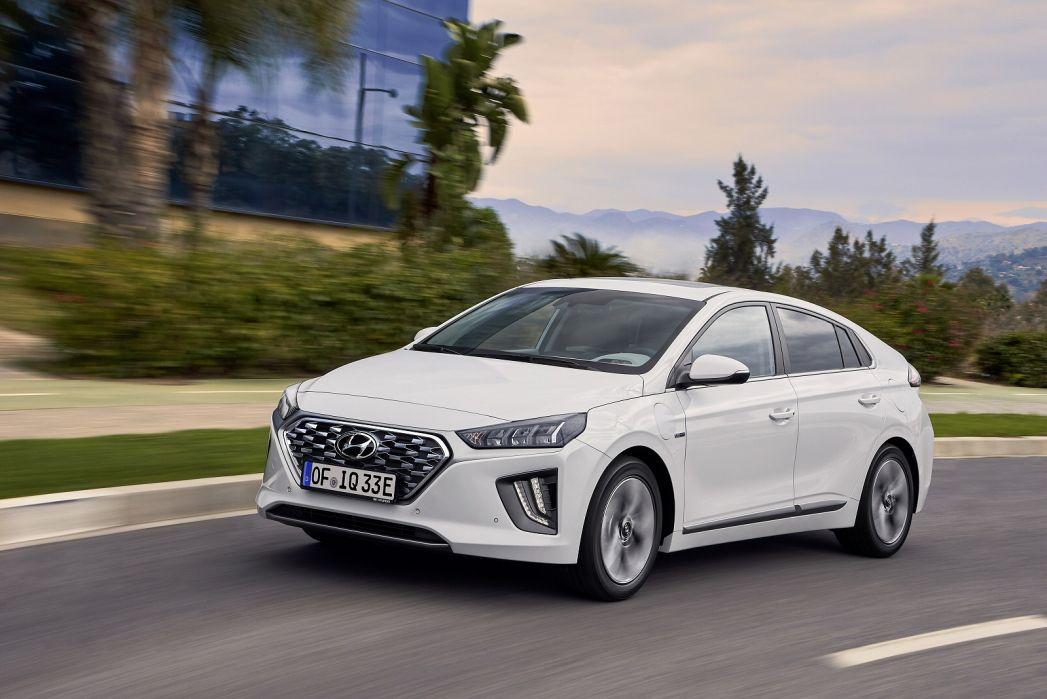 Image 4: Hyundai Ioniq Hatchback 1.6 GDI Plug-IN Hybrid Premium 5dr DCT