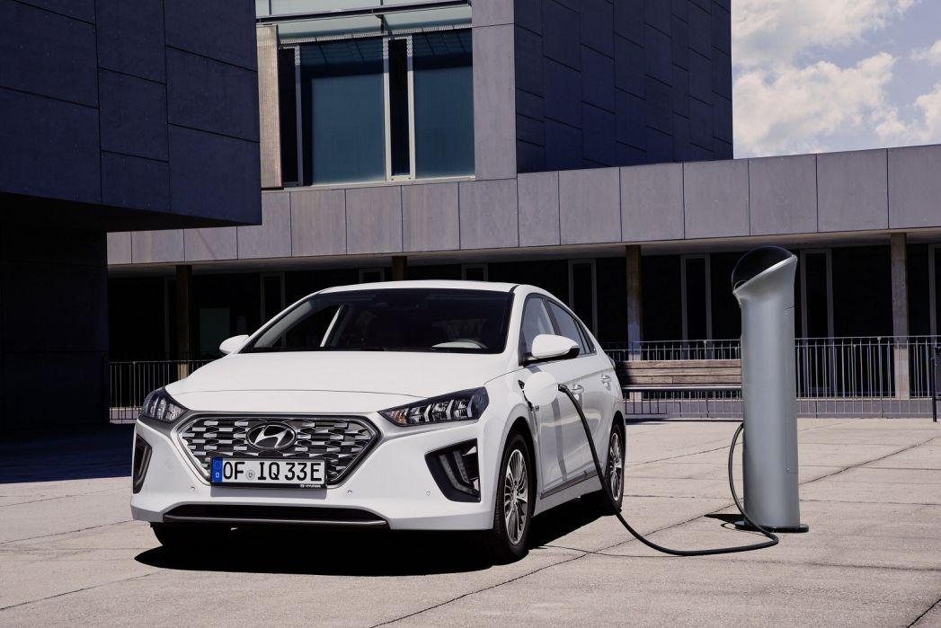 Image 5: Hyundai Ioniq Hatchback 1.6 GDI Plug-IN Hybrid Premium 5dr DCT