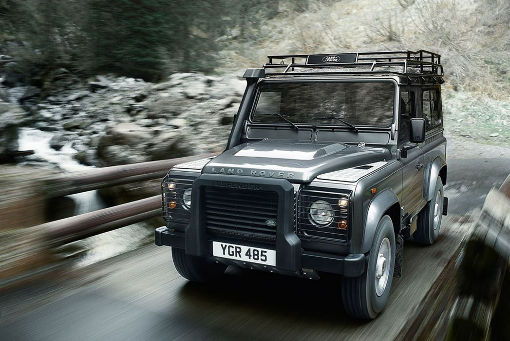 Image 2: Land Rover Defender Estate 2.0 P300 SE 110 5dr Auto