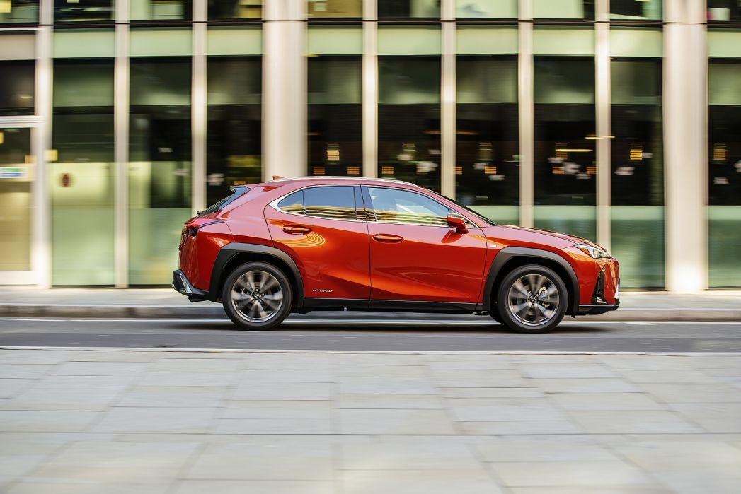 Image 4: Lexus UX Hatchback 250H 2.0 5dr CVT [without NAV]