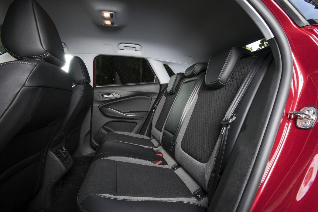 Image 3: Vauxhall Grandland X Hatchback 1.2 Turbo SE Premium 5dr