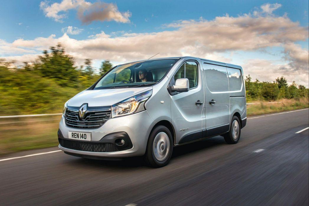 Image 2: Renault Trafic LWB Diesel LL30 Energy DCI 120 Business Crew VAN