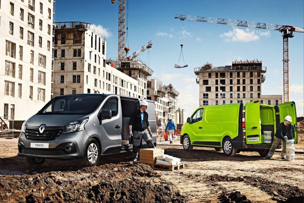 Image 3: Renault Trafic LWB Diesel LL30 Energy DCI 120 Business Crew VAN