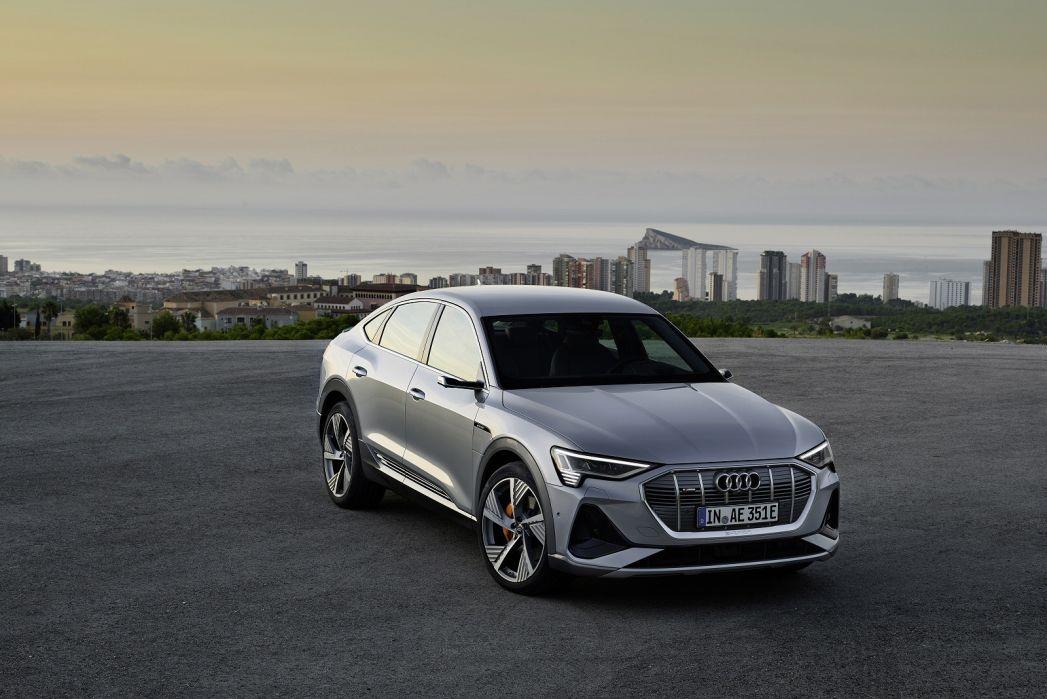 Video Review: Audi E-Tron Estate 230KW 50 Quattro 71KWH Technik 5dr Auto [C+S]