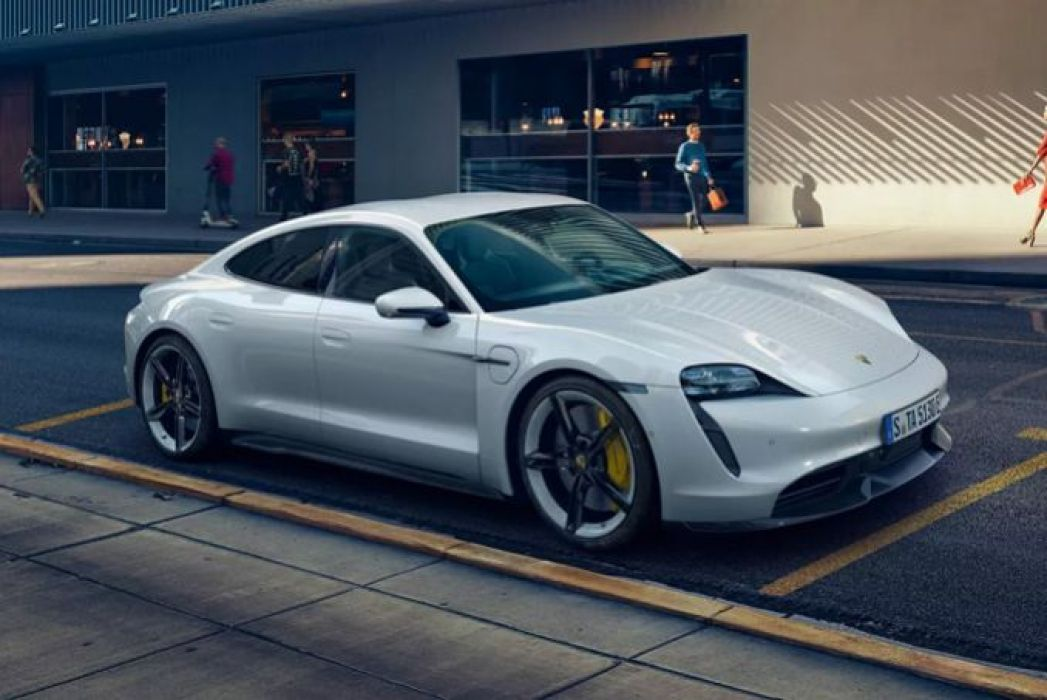 Video Review: Porsche Taycan Saloon 420KW 4S 93KWH 4dr Auto