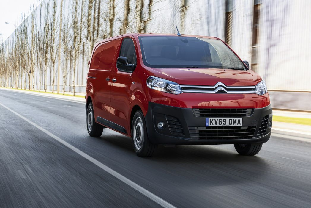 Video Review: Citroen Dispatch M Diesel 1400 2.0 Bluehdi 120 VAN Driver