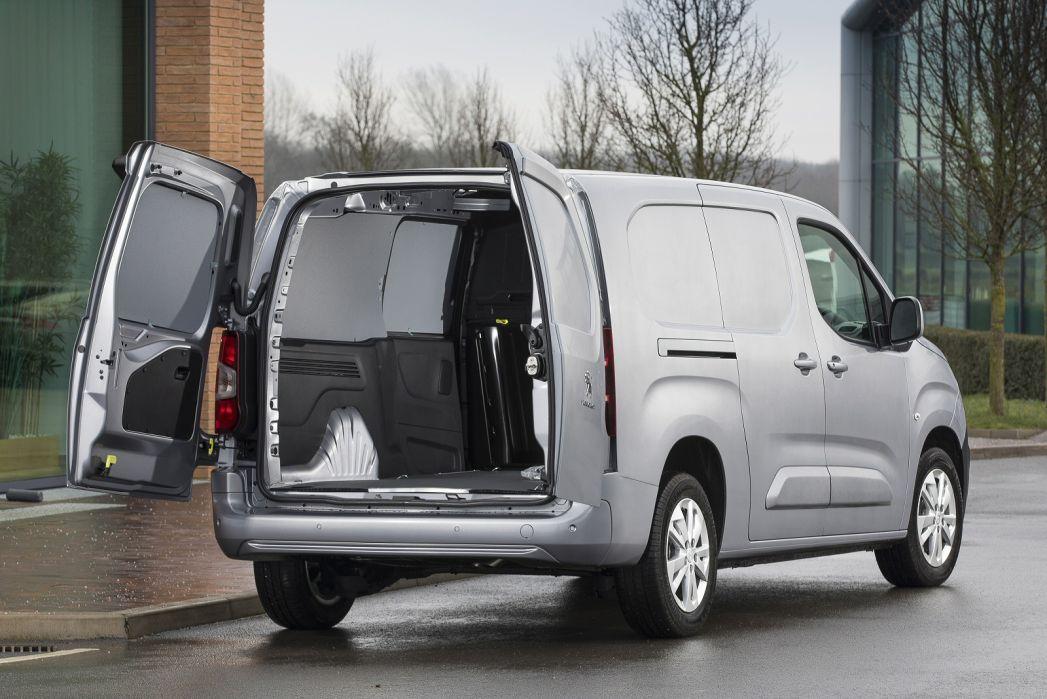 Image 2: Peugeot Partner Standard Diesel 1000 1.5 Bluehdi 100 Professional VAN