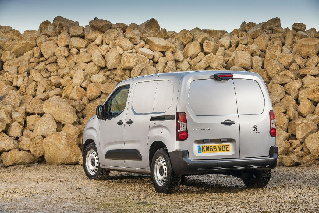 Image 6: Peugeot Partner Standard Diesel 1000 1.5 Bluehdi 100 Professional VAN
