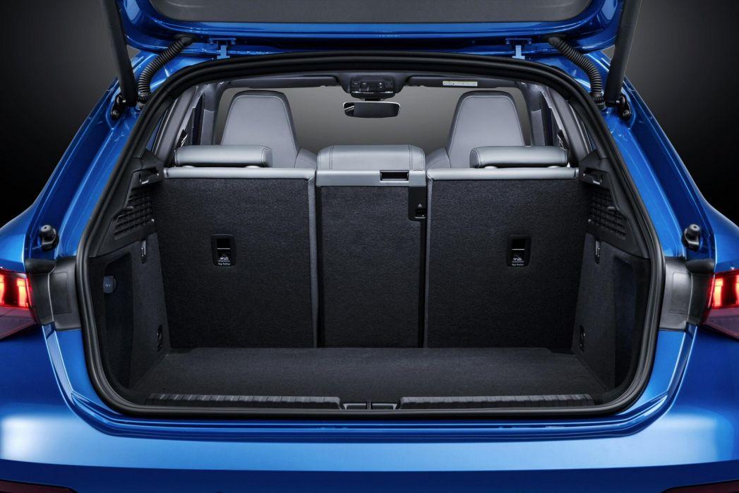 Image 5: Audi A3 Sportback 30 Tfsi Technik 5dr