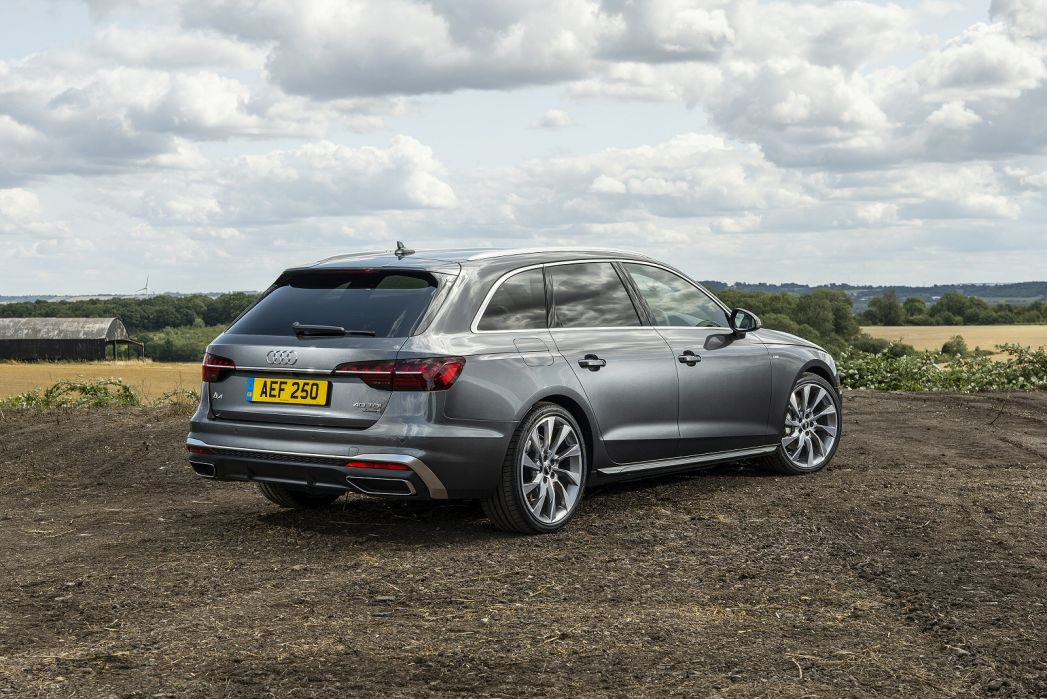 Video Review: Audi A4 Avant 45 Tfsi 265 Quattro S Line 5dr S Tronic [C+S]