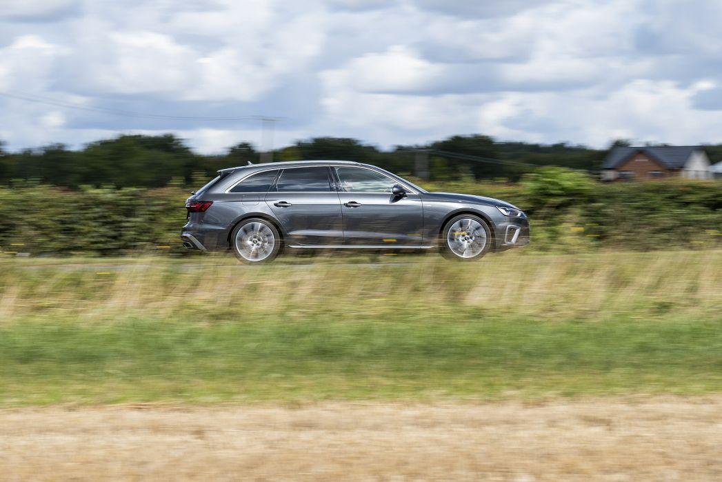 Image 3: Audi A4 Avant 40 Tfsi 204 Black Edition 5dr S Tronic [C+S]
