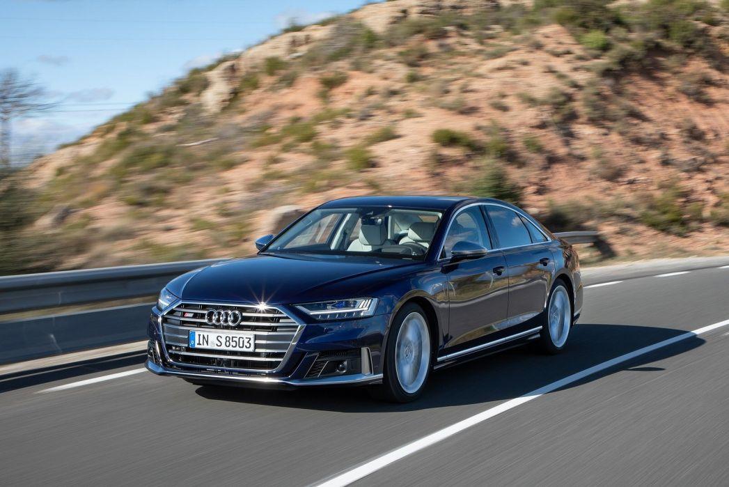 Image 3: Audi A8 Saloon S8 Quattro 4dr Tiptronic