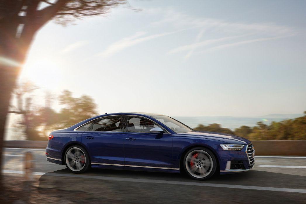 Image 4: Audi A8 Saloon S8 Quattro 4dr Tiptronic