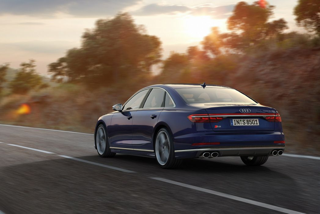 Image 6: Audi A8 Saloon S8 Quattro 4dr Tiptronic