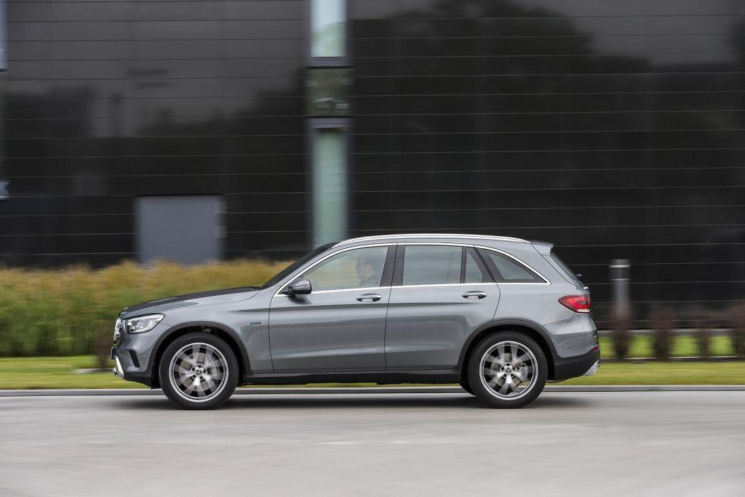 Image 3: Mercedes-Benz GLC Estate GLC 300E 4matic AMG Line 5dr 9G-Tronic