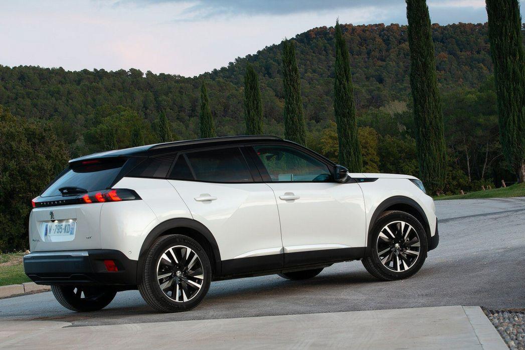 Image 2: Peugeot E-2008 Electric Estate 100KW GT Premium 50KWH 5dr Auto