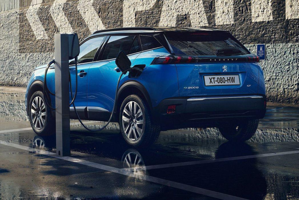 Image 4: Peugeot E-2008 Electric Estate 100KW GT Premium 50KWH 5dr Auto