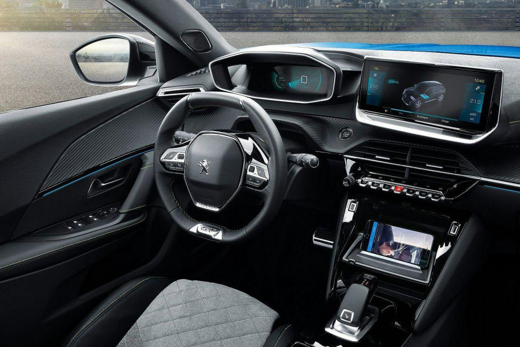 Image 3: Peugeot E-2008 Electric Estate 100KW GT Premium 50KWH 5dr Auto