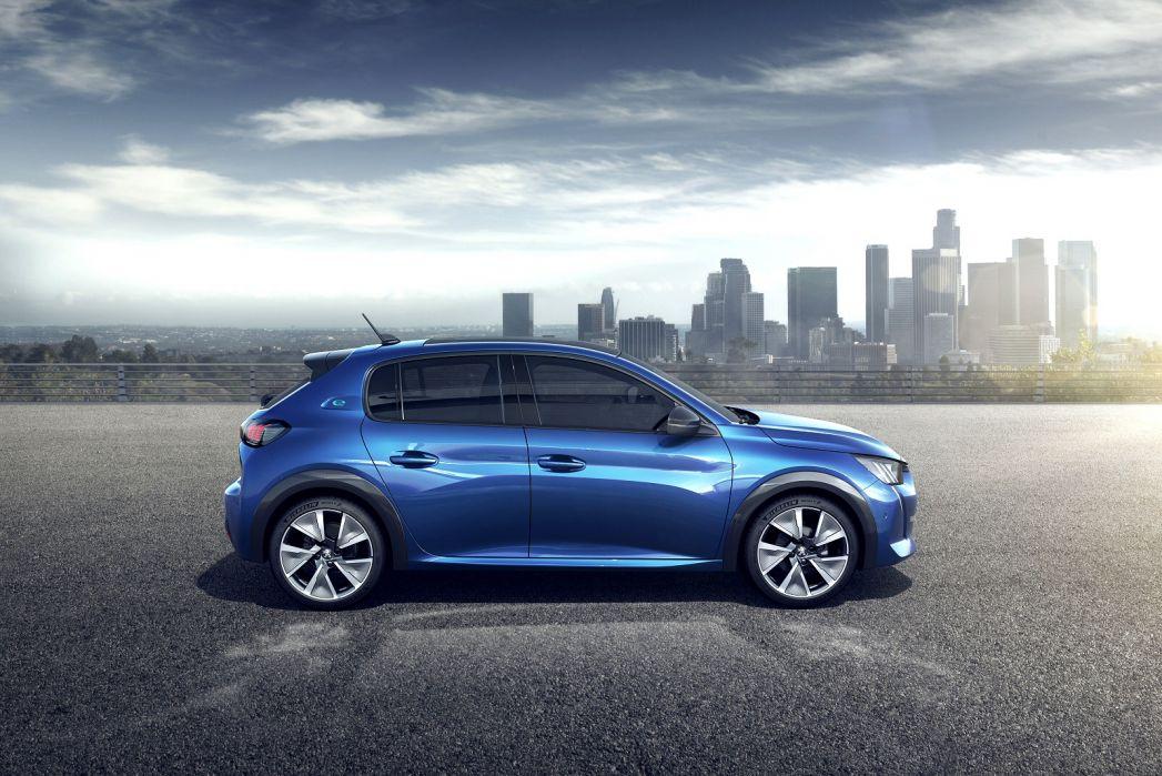 Image 1: Peugeot E-208 Electric Hatchback 100KW GT Premium 50KWH 5dr Auto