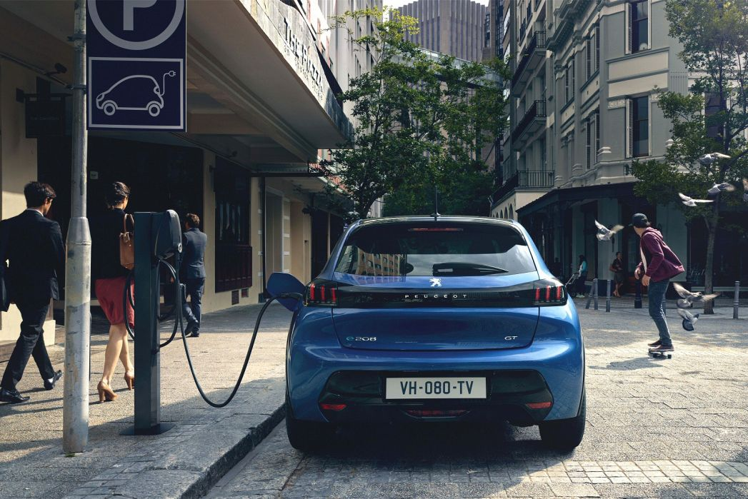 Image 6: Peugeot E-208 Electric Hatchback 100KW GT 50KWH 5dr Auto