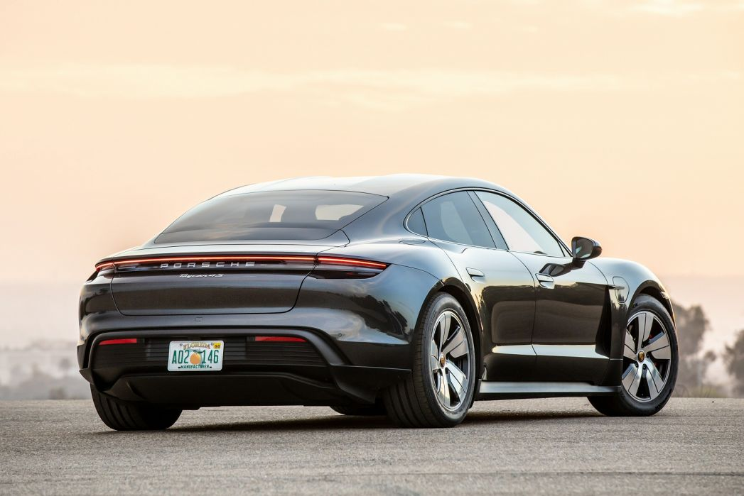 Image 2: Porsche Taycan Saloon 420KW 4S 93KWH 4dr Auto