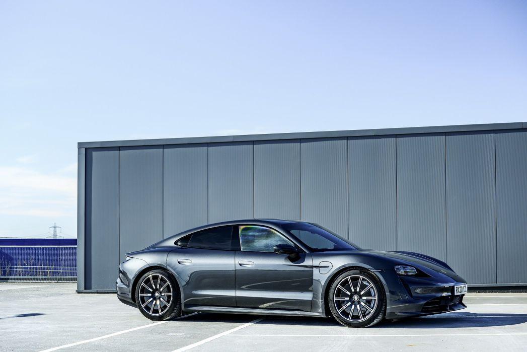 Image 5: Porsche Taycan Saloon 420KW 4S 93KWH 4dr Auto