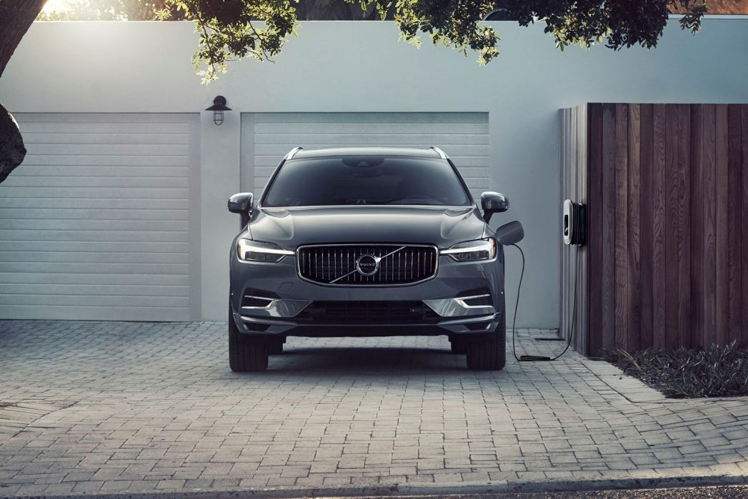 Video Review: Volvo XC60 Estate 2.0 T6 RC Phev Inscription Expression 5dr AWD Auto