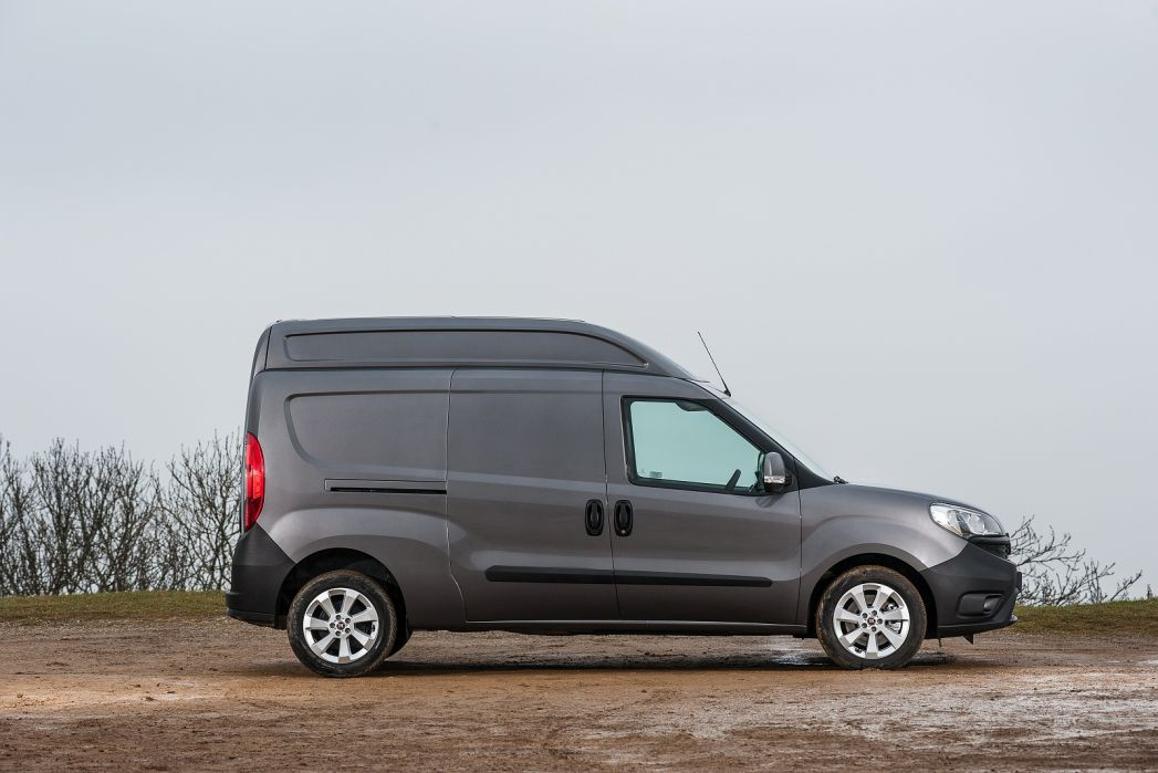 Video Review: Fiat Doblo XL Cargo L2 Diesel 1.6 Multijet 16V 120 VAN Start Stop