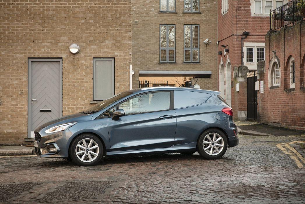 Image 2: Ford Fiesta Diesel 1.5 TDCI 85 Sport VAN