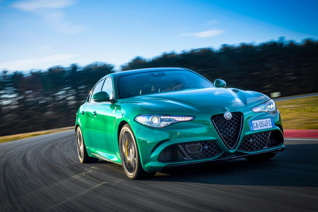 Image 4: Alfa Romeo Giulia Saloon 2.9 V6 Biturbo Quadrifoglio 4dr Auto [ACC]