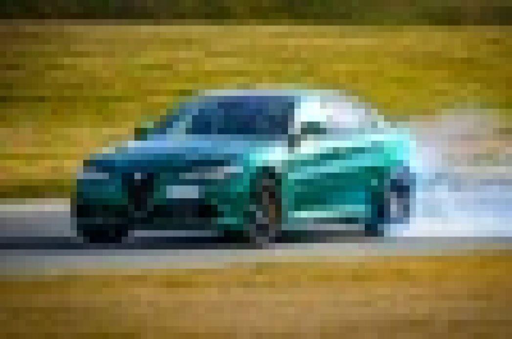 Image 5: Alfa Romeo Giulia Saloon 2.9 V6 Biturbo Quadrifoglio 4dr Auto [ACC]