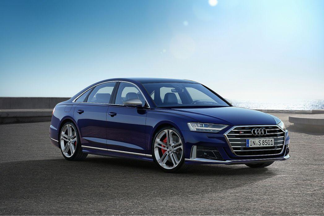 Image 1: Audi A8 Saloon S8 Quattro Vorsprung 4dr Tiptronic