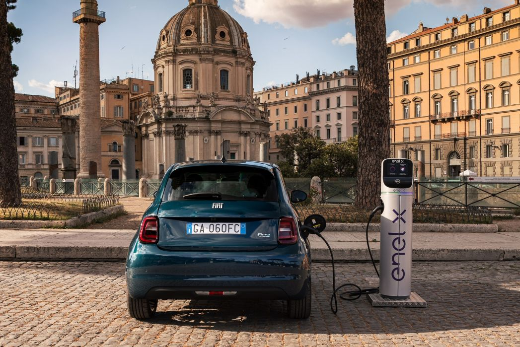 Image 5: Fiat 500C Convertible Special Editions 1.0 Mild Hybrid Dolcevita 2dr