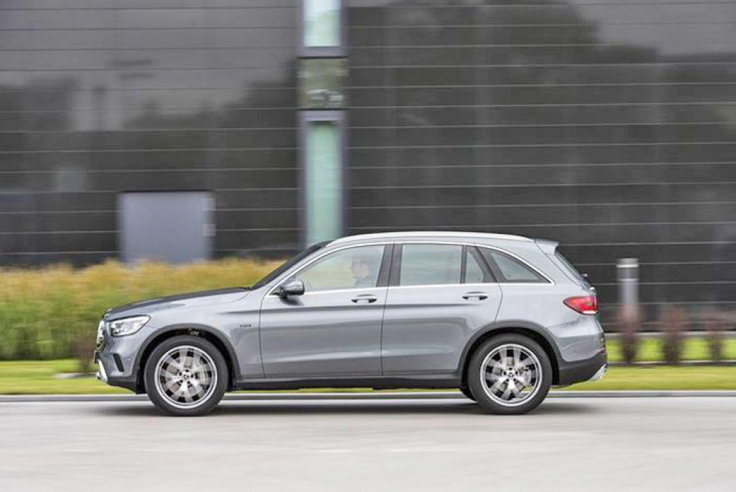 Image 2: Mercedes-Benz GLC Diesel Estate GLC 300DE 4matic AMG Line 5dr 9G-Tronic