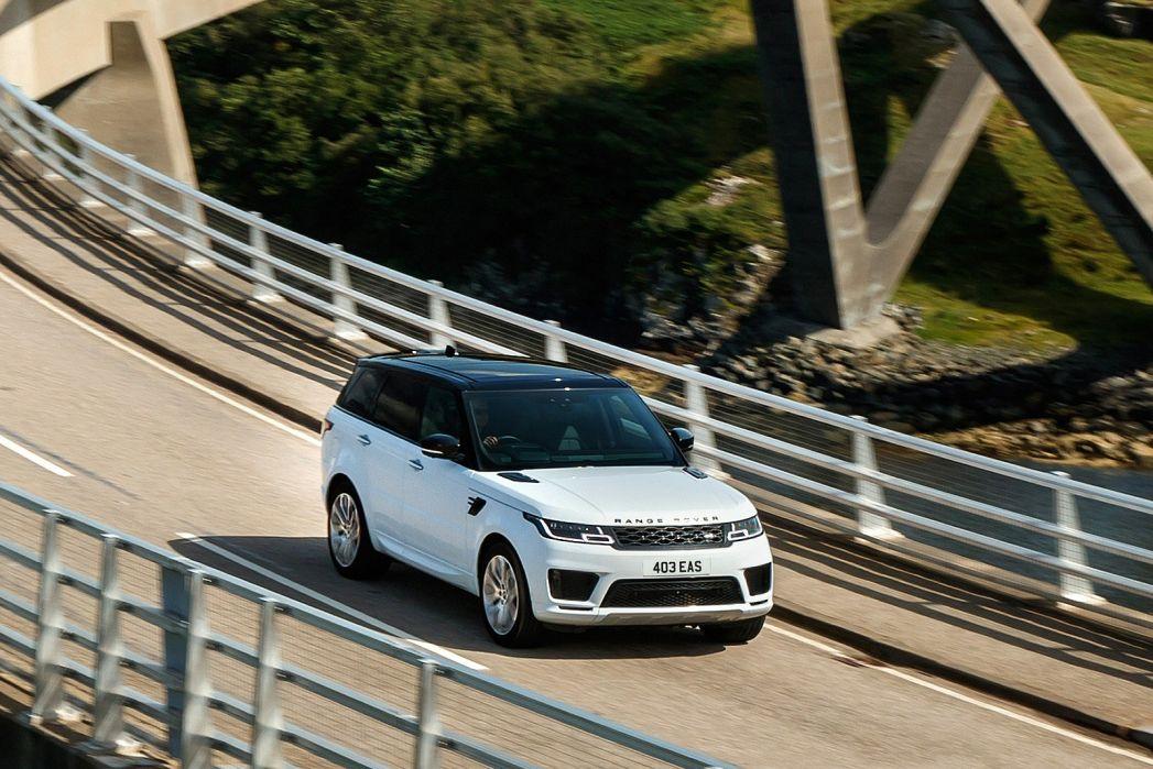 Image 2: Land Rover Range Rover Estate Special Edition 2.0 P400e Range Rover Fifty LWB 4dr Auto