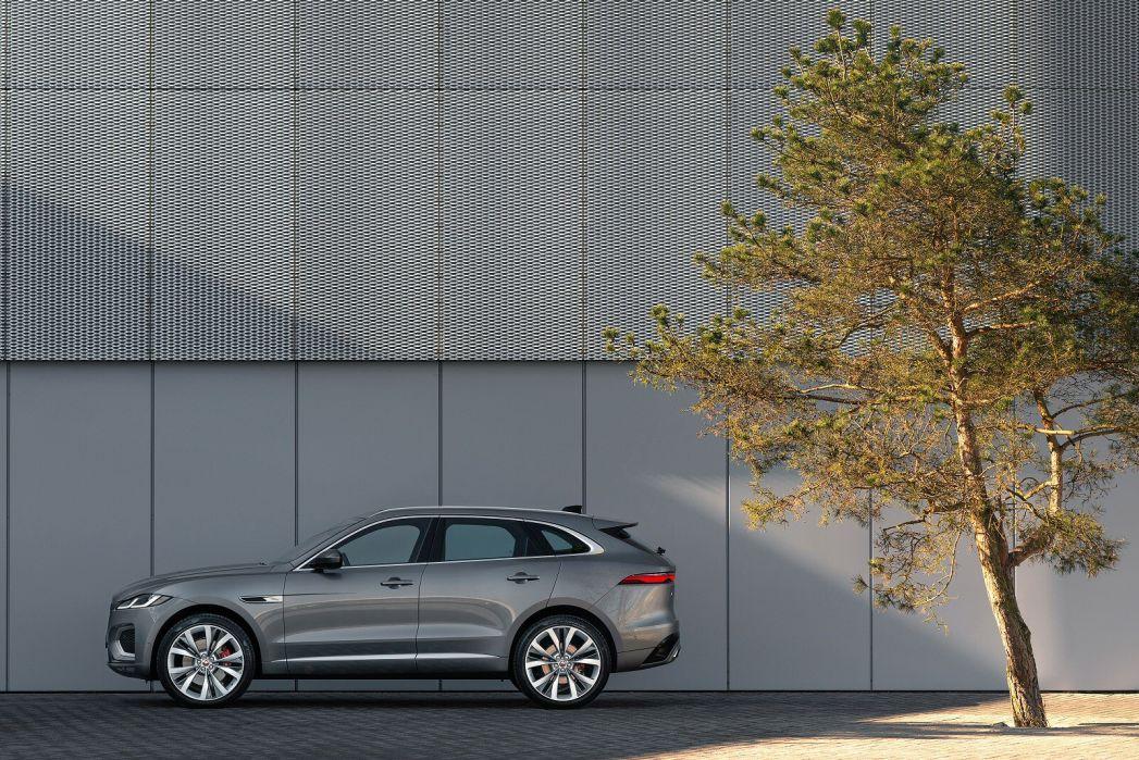 Image 4: Jaguar F-Pace Estate 2.0 P400e S 5dr Auto AWD