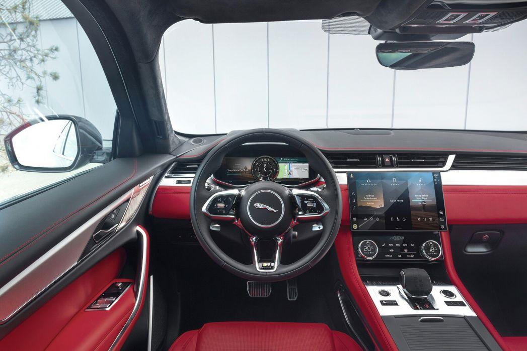 Image 3: Jaguar F-Pace Estate 2.0 P400e S 5dr Auto AWD