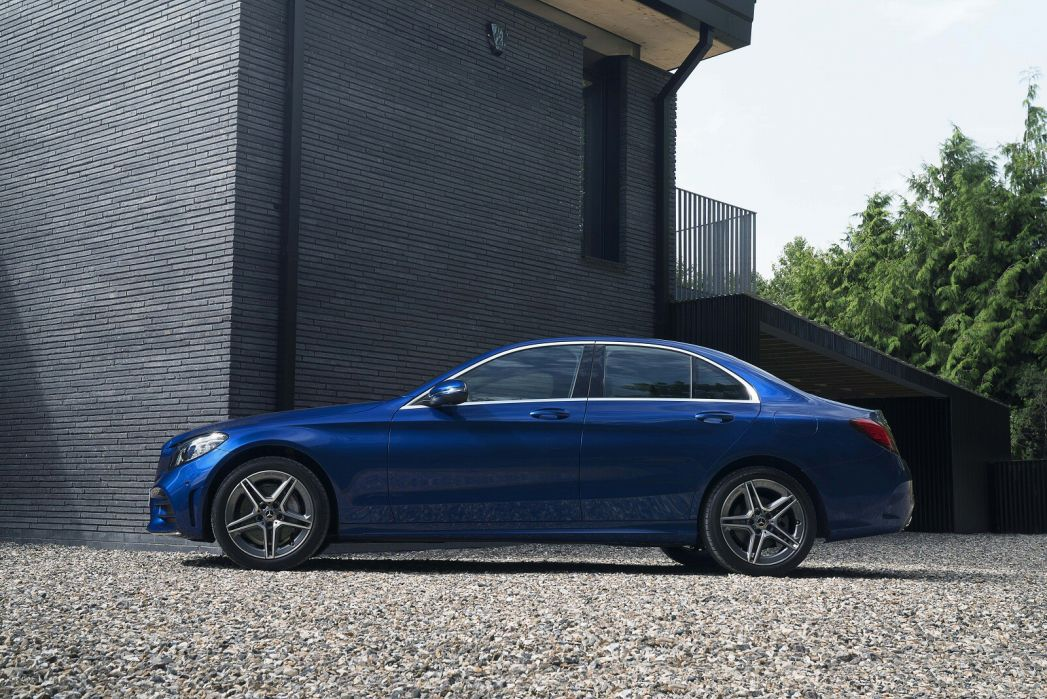 Image 2: Mercedes-Benz C Class Saloon Special Editions C300e AMG Line Night Edition Premium 4dr 9G-Tronic