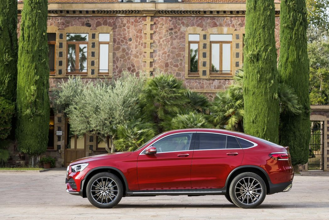 Video Review: Mercedes-Benz GLC Diesel Coupe GLC 300DE 4matic AMG Line Premium Plus 5dr 9gtron