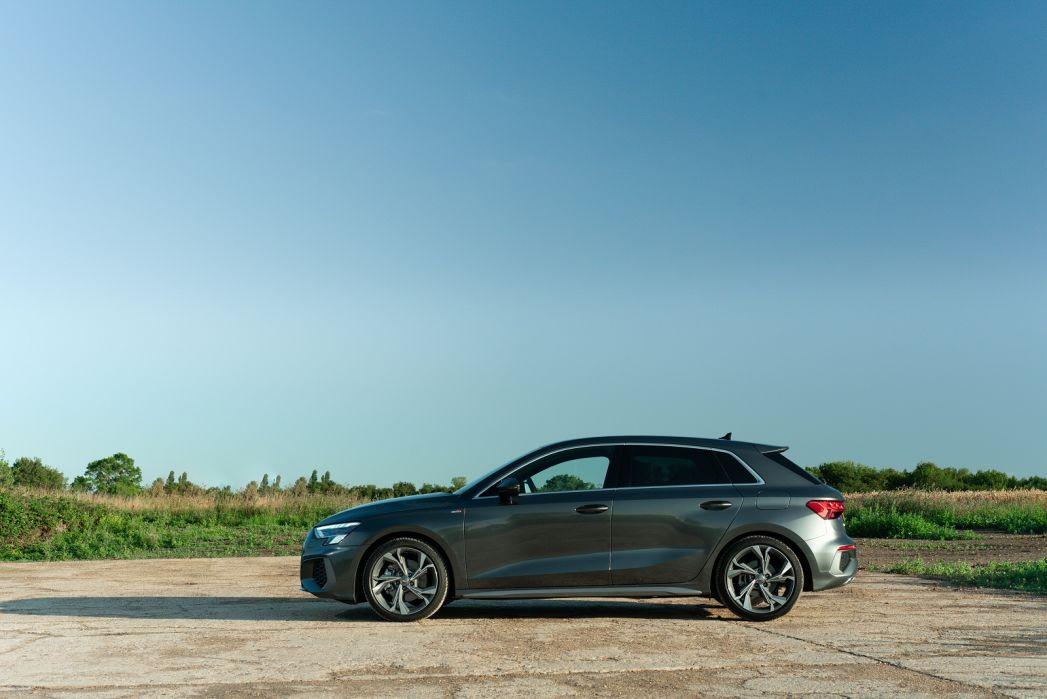 Image 2: Audi A3 Sportback 40 Tfsi E S Line 5dr S Tronic