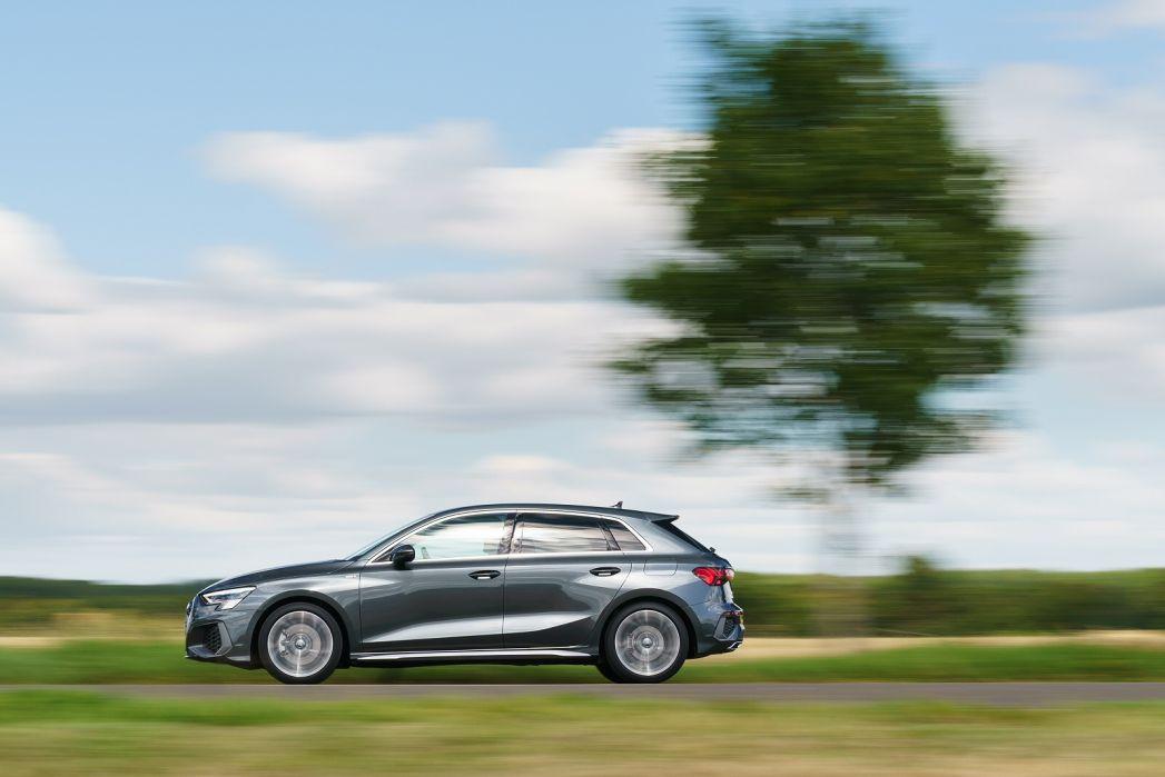 Image 5: Audi A3 Sportback 40 Tfsi E S Line 5dr S Tronic