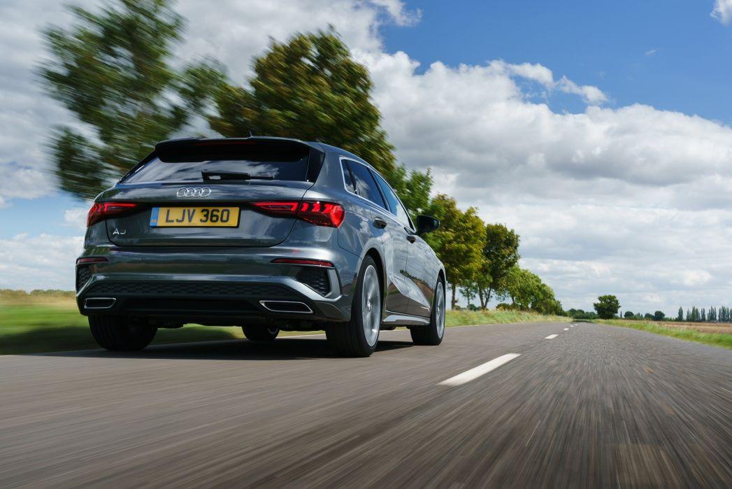 Image 5: Audi A3 Sportback 40 Tfsi E S Line 5dr S Tronic [comfort+sound]
