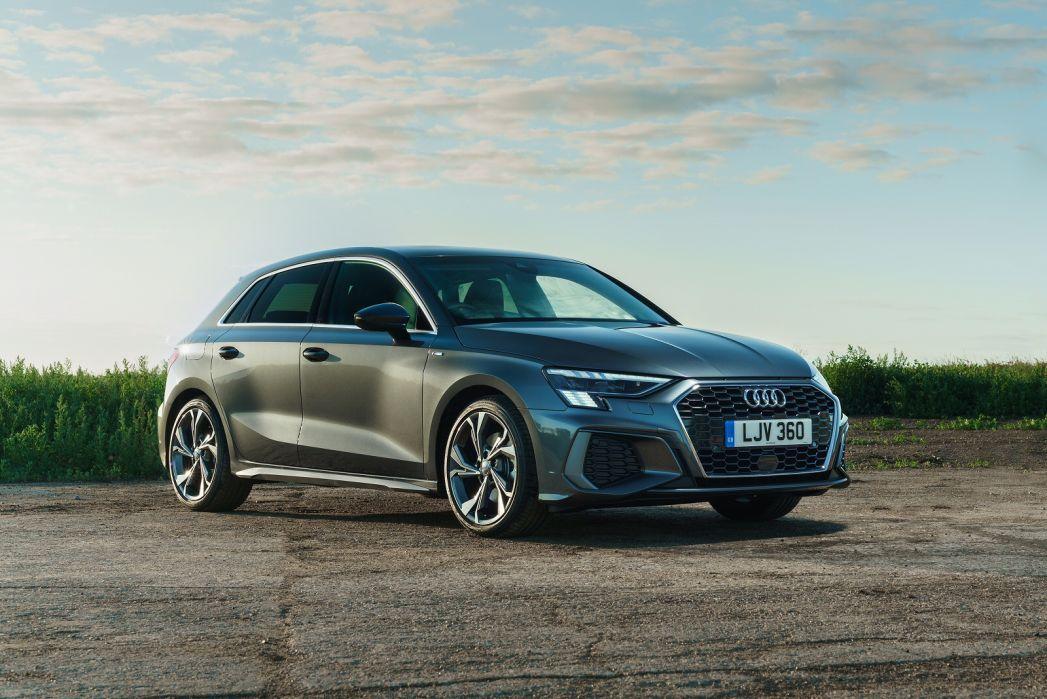 Image 6: Audi A3 Sportback 40 Tfsi E S Line 5dr S Tronic [comfort+sound]