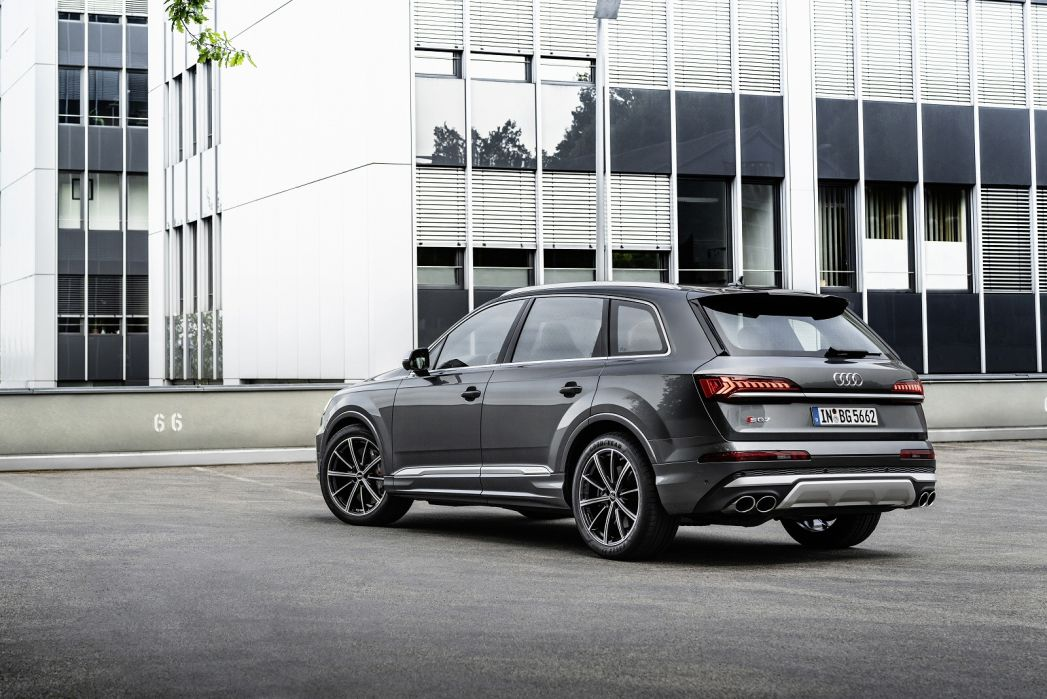 Image 3: Audi Q7 Estate SQ7 Tfsi Quattro Black Edition 5dr Tiptronic [C+S]